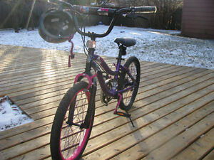 Monster High Girl's Bike with Helmet
