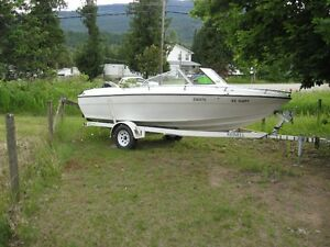 1991 Reinell Outboard Motorboat and Trailer