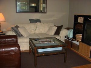 Rooms in a Furnished Apartment