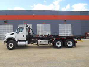 NEW 2014 7500 UNIVERSAL HANDLING ROLL OFF