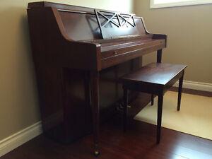 Upright Allegro piano