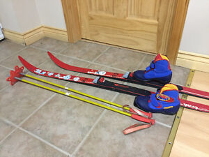 Kids cross-country skis/boots, downhill ski boots