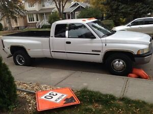 2000 Dodge 3500 169000k no rust very cleanexcellent cond