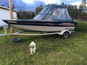 2005 Princecraft fishing boat