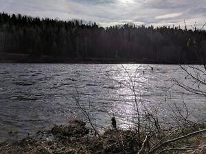 Terrain de Villégiature sur Rivière Métabetchouan, Lac-St-Jean