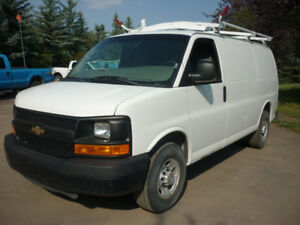 2011 Chevrolet Express 2500 cargo van SHELVING/ ROOF RACK