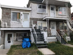 Spacious 2 1/2 half basement for Rent in Longueuil