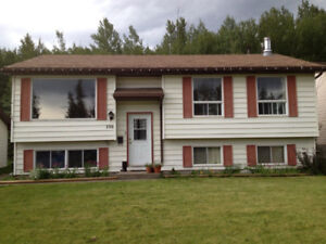 Tumbler Ridge Bright spacious 4 bedroom house available today