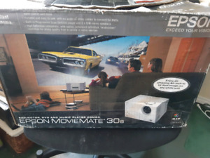 Epson MovieMate 30s with built in DVD and sound