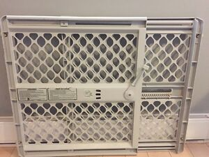 Adjustable Pressure Baby Gate