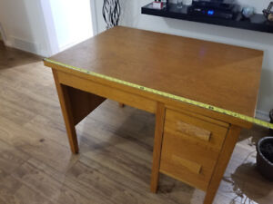 1950 style desk solid oak 30 x 42 dove tail joints