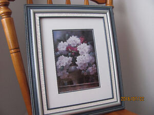 Bouquet of Rhododendron by Victor Santos
