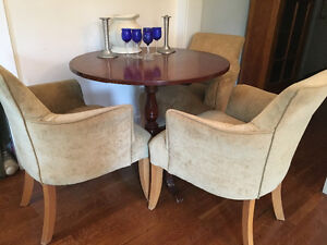 4 dining chairs lovely upholstered