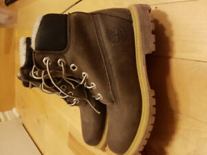 New and used Girls and Boys winter boots Roots Timberland Raulf