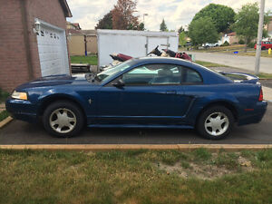 2000 Ford Mustang Coupe V6