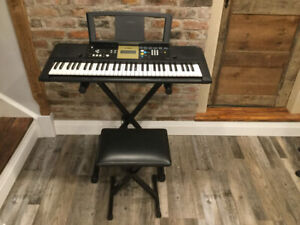 YPT 220 Yamaha keyboard with stand and chair