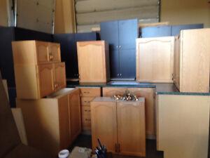 Oak Kitchen Cabinets, Sinks, & Counter Tops