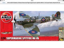 Airfix A50141 Battle of Britain Memorial Flight Supermarine Spitfire MkVb 1:24 Scale Model Gift Set