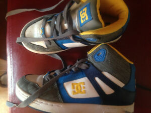 youth DC sneakers size 3