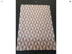 Geometric Rug 100% Wool