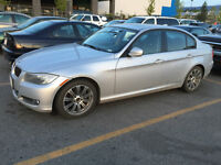 2011 BMW 323i Sed with premium package, low kms