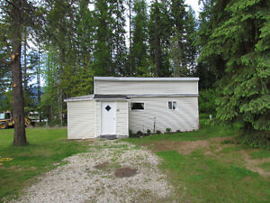 Nakusp Cabin For Rent