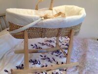Moses basket with stand