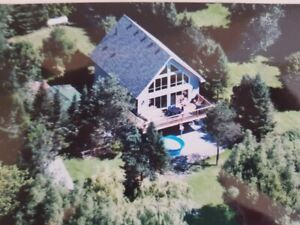 Summer Countryside Cottage Rental with Hot Tub