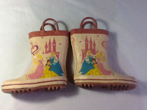 Size 7 princess rubber boots