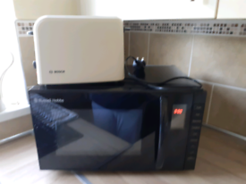 Russell Hob Microwe and Bosch 2 slice toaster