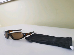 Oakley Mens polarized sunglasses