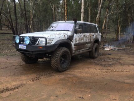 4.8 patrol manual Julimar Toodyay Area Preview