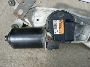 2005 F250 Wiper Motor and wiper transmission assembly Cambridge Kitchener Area image 1