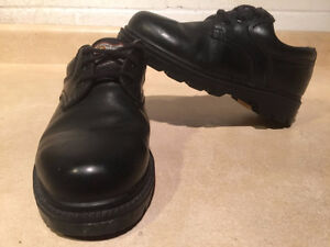 Women's John Deere Waterproof Leather Shoes Size 5.5 London Ontario image 1