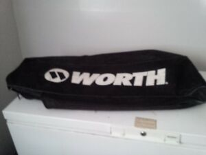 WORTH BALL BAG - BLACK - BARELY USED - CLEAN.
