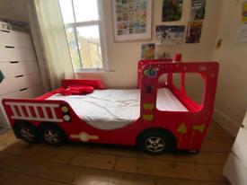 Kids fire truck engine bed