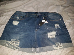 BRAND NEW BOOHOO SHORTS
