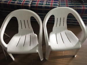 2 folding chairs and 2 outdoor chairs