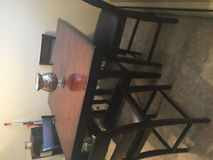 Pub style kitchen table and 4 chairs