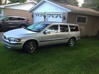 2004 Volvo V70 Wagon Fully Loaded Mint Condition
