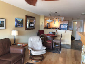 Beautify Water Front Condo for Rent