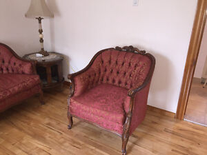 French Provincial sofa and chair set West Island Greater Montréal image 2