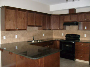 AVAIL  AUG 01 - BEAUTIFUL TOWNHOUSE CONDO CLOSE TO EVERYTHING!!