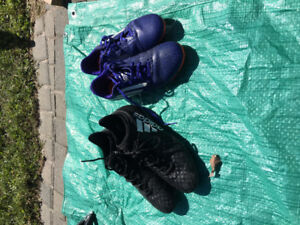 Soccer cleats in excellent condition