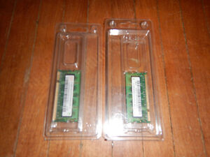 512MB 2Rx16 (x2) RAM, The Sport of Figure CD, Roxio Express Labe