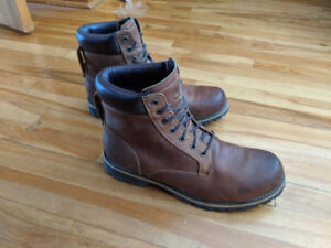 Timberland MEN'S RUGGED 6-INCH WATERPROOF BOOTS