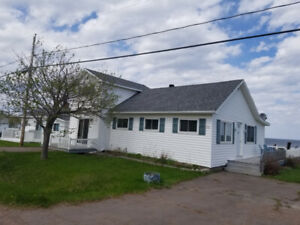 Weekly Cottage Rental - Beachfront - Grande Digue NB