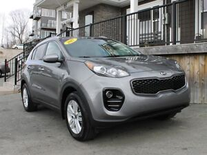 2017 Kia Sportage LX / 2.4L I4 / Auto / AWD **Like New!**