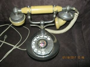 VINTAGE VICTORIAN TELEPHONE - ROTARY DIAL