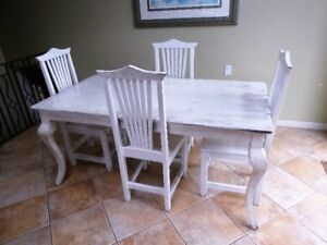 Popular Distressed Dining Room Table & 6 Chairs Set